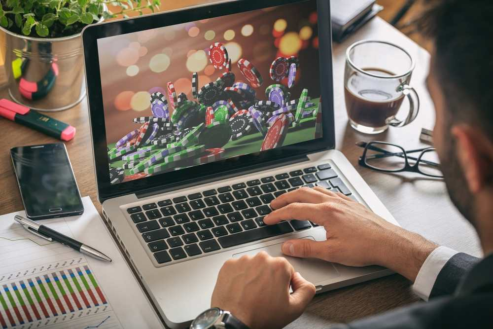 Internet Gambling - The right way tIncrease Your Chances of Winning