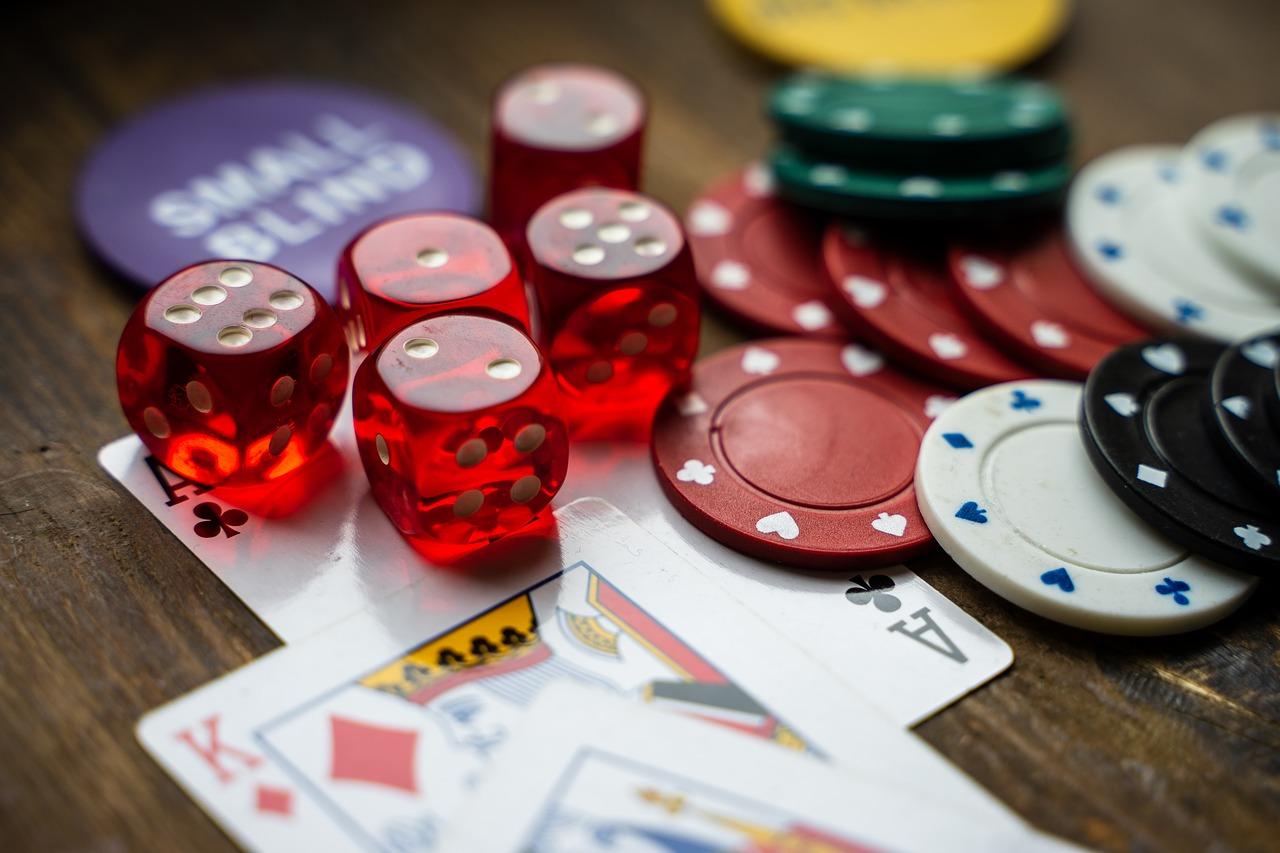 Seven Guidelines About Online Casino Meant To Be Broken